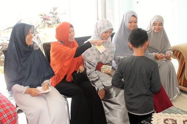 Silaturahmi, Angpao, Keluarga Besar, Keluarga, Family, Idul Fitri