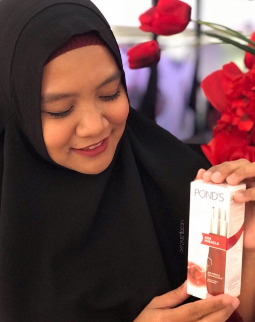 Glowing, Pond's Age Miracle, Never Stop Glowing, Glowing, Skin Care, Beauty, Jakarta Fashion Week, JFW 2018