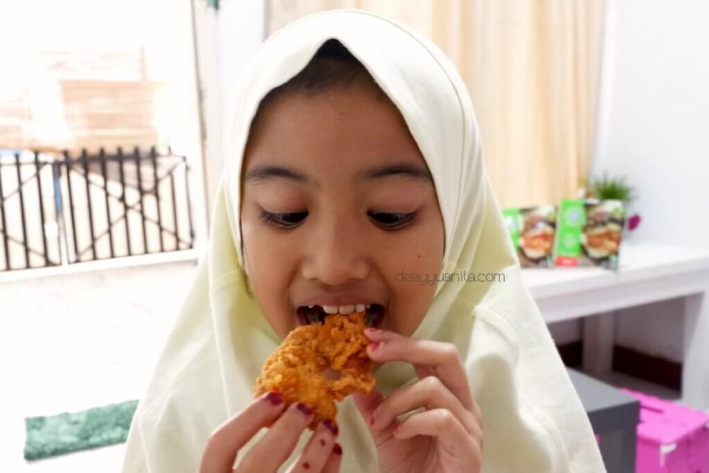 So Good, So Good Spicy Chicken Strip, Challenge, Parenting, Spicy Chicken, Kuliner,